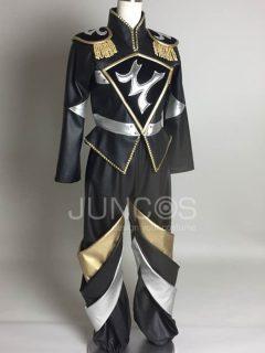 ブラック・ゴールド・シルバーのレザースーツ